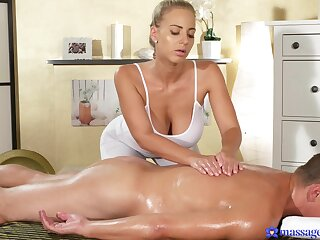 Nude masseuse drives the sponger crazy with her unique style