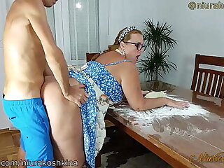 Pregnant Cooking Mom Gets A Fuck Stranger Say no to Son Right All round Say no to Kitchen  - MILF NiuraKoshkina
