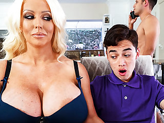 Busty stepmom interested to partiality schoolboy's dick