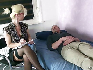 GERMAN MOM Psychologist Seduce MONSTER COCK turns out that here Have a passion