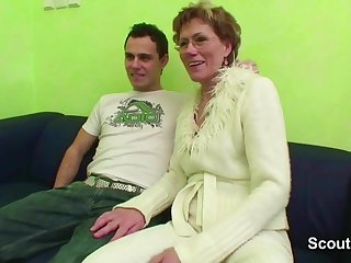 Grandma Caught Effectively Son Watch Porn and Help with Fuck