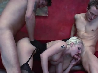 Incredible dwelling threesome with a MILF conceded to cock ]