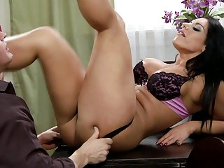 Bella Reese Lingerie MILF sex video