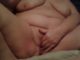 This juicy BBW always masturbates for me and she looks mouth-watering