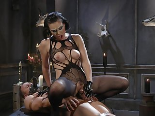 MILF acts evil down obedient man's successful dong