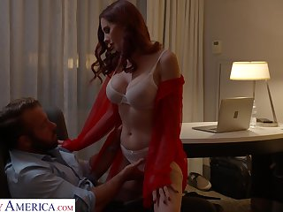 Big tittied Lilian Stone is sexual intercourse with her new admirer