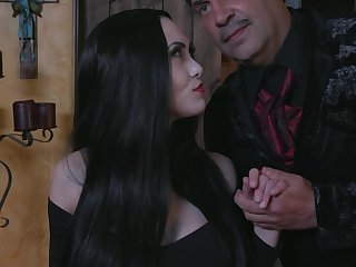 Fucking hot vampire milf Kate Lay open sucks a chunky flannel and gets her pussy licked