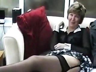 Mature solo brit cash-drawer in stockings