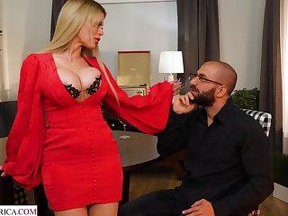 Pizzazz MILF Casca Akashova hot sex blear